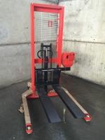Штабелер оборудованный весами